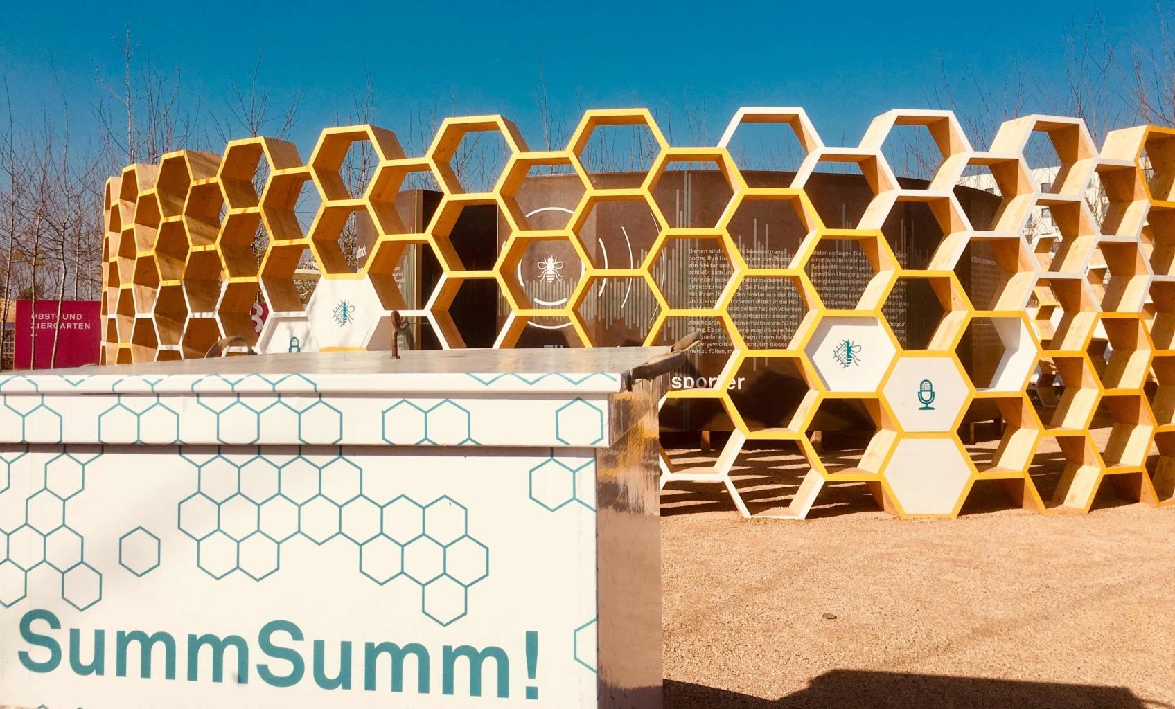 BUGA Bienengarten Bienenkasten